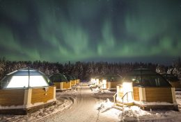 Northern lights and the Arctic Glass Igloos in Rovaniemi in Finnish Lapland